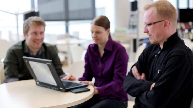 Sanna aloitti työnsä Fingridillä voimajohtoasiantuntijana maaliskuussa 2013. Yritykseen ja työyhteisöön on päässyt helposti sisään, sillä jokaiselle fingridiläiselle laaditaan oma urakehityssuunnitelma: uuden työntekijän kiinnostuksen kohteet ja tavoitteet kartoitetaan jo uran alkuvaiheessa.