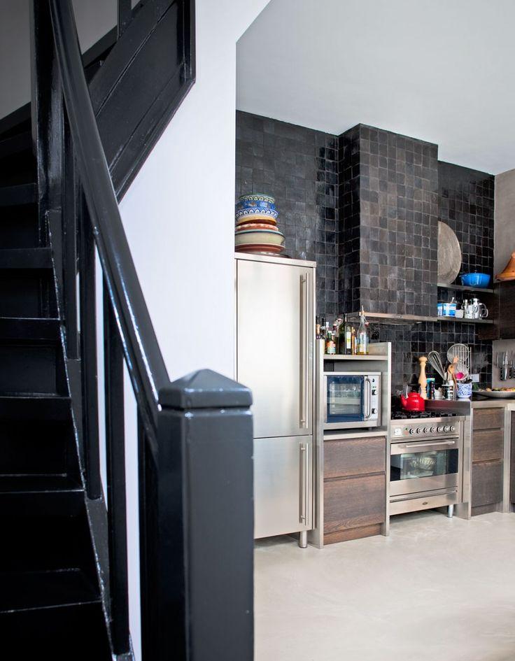 amsterdam-hoekhuis-keuken-baksteen-metaal