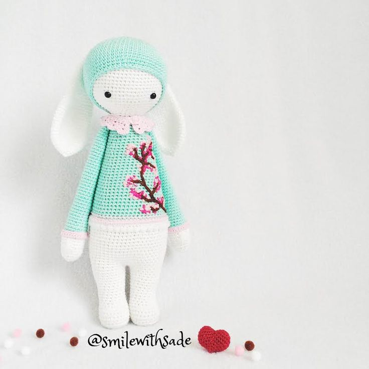 RITA the rabbot made by Sade A. / crochet pattern by lalylala