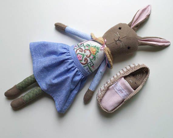 Heirloom Bunny Rabbit Baby Bunny in Moses Basket Play set