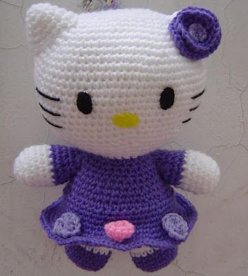 Free Crochet Hello Kitty Amigurumi - Caveat: pattern is translated.