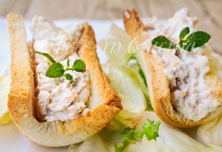 Barchette di pancarrè con tonno e ricotta antipasto, finger food sfizioso, feste, buffet, idea facile, veloce da preparare, ricetta congelabile, ottime con salmone