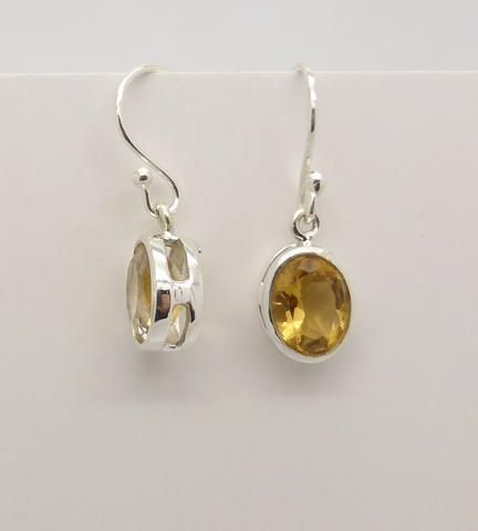 Earring Oval Small petite Citrine