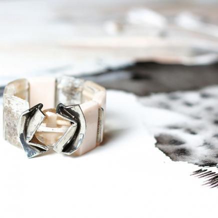 Anne-Marie Chagnon Collection 2015  Printemps-Été Bracelet : Hélène - blush --------------------------- 2015 Spring-Summer Collection Bracelet: Hélène - blush
