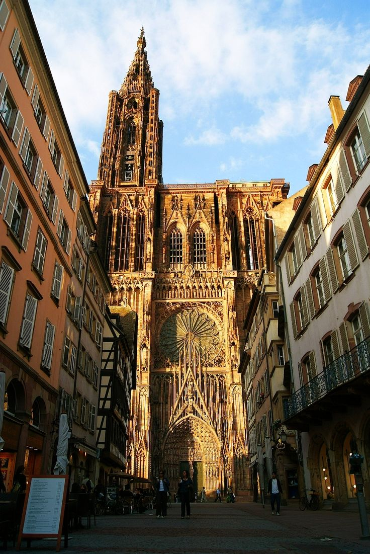 The 25 best strasbourg cathedral ideas on pinterest for Strasbourg architecture