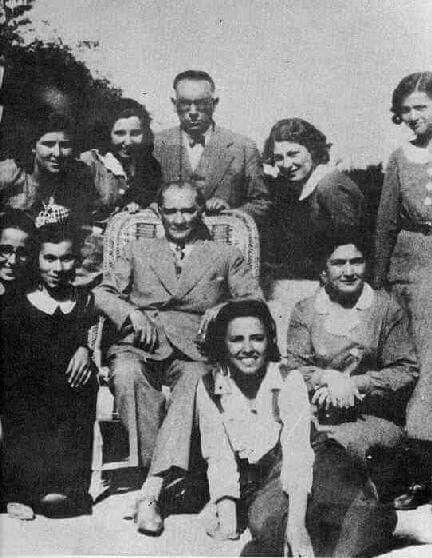 Atatürk ve Nuri Conker. ⚓