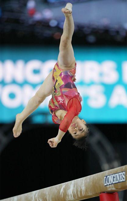 女子個人総合決勝、平均台の演技をする杉原愛子=…:杉原の平均台=世界体操:時事ドットコム #体操 #女子 #世界選手権