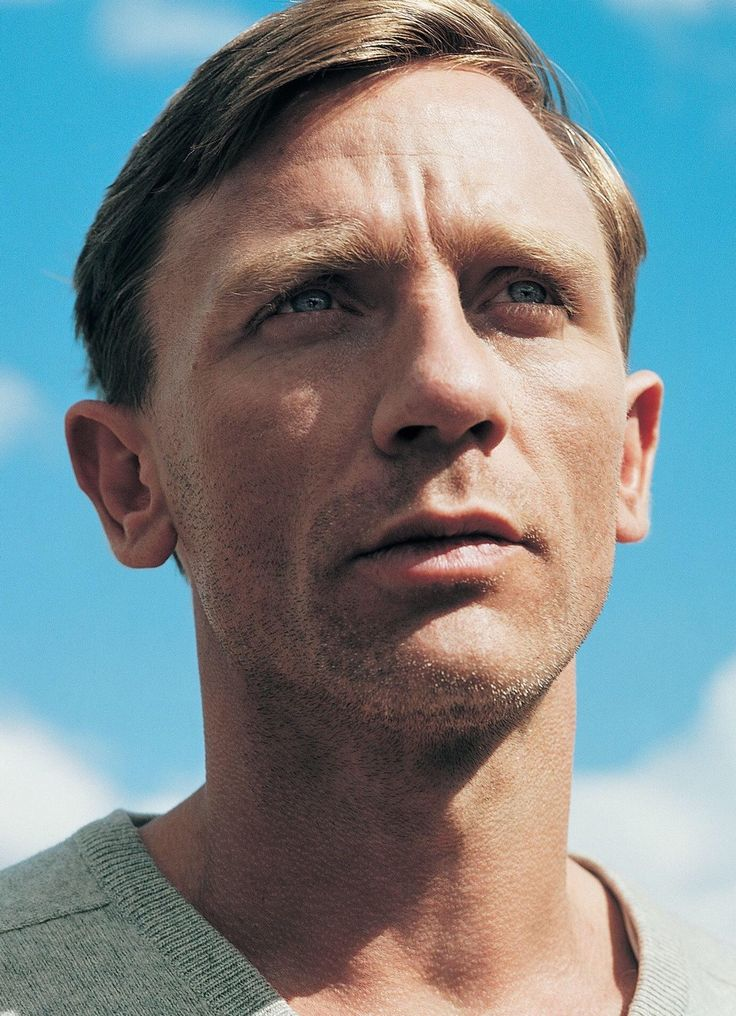"""moderne-solitude: """"Daniel Craig styled by Richard Simpson and photographed by Steve Smith for i-D - October 2004 """""""