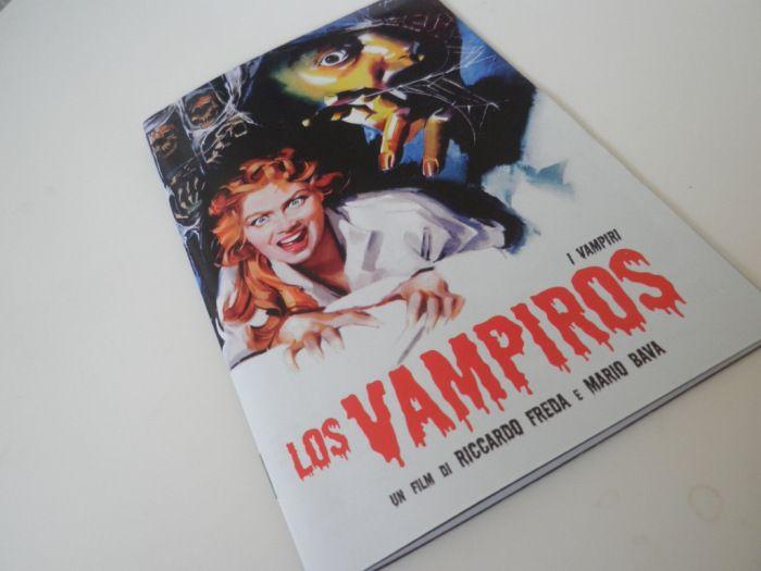 Portada del libreto del DVD de Los vampiros