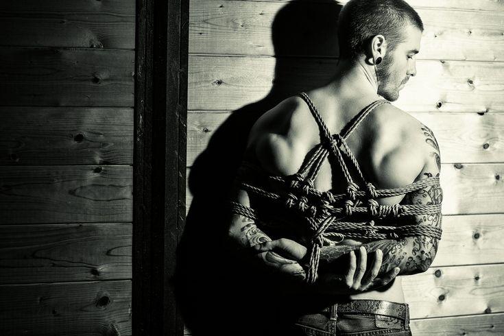 Фото шибари парней голых