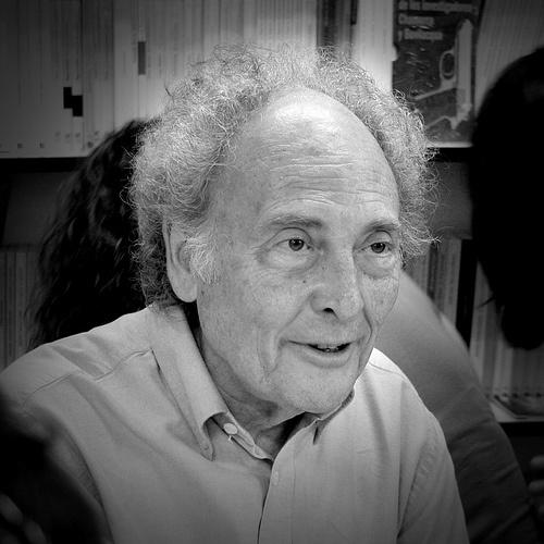 Eduard Punset Casals (Barcelona, España, 9 de noviembre de 1936), también llamado Eduardo Punset Casals, es un jurista, escritor, economista y divulgador científico español que fue a su vez político. #cpcr53