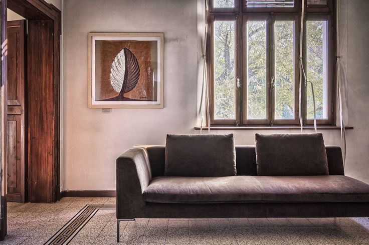 Villa Angeli, set up by IdeaCasa In with B&B Italia furnitures, for art exibitions and design conferences.  #art #architecture #garden #furniture #design #interior #garden #boffi #B&B #interiordesign #photography #villa #italy #italian #realestate #real #estate