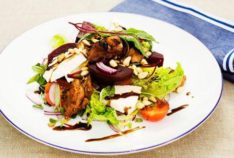 Kycklingsallad med rödbetor och chèvre | Recept.nu