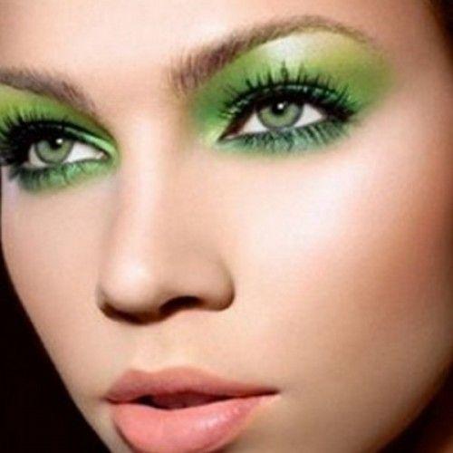 Verde smeraldo tendenza make up 2013: trucco perfetto