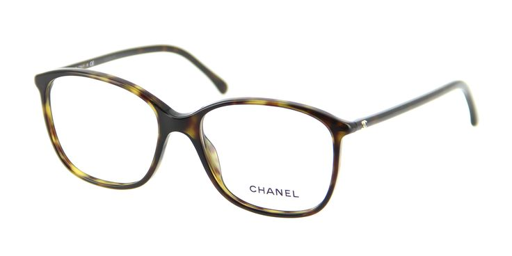Lunettes de vue CHANEL CH 3219 C714 54/16 Femme Ecaille Carrée Cerclée Tendance 54mmx16mm 184€. Le must de la lunette de vue est là devant vous avec ces CHANEL CH 3219 C714 54/16. Cette paire de lunettes en acétate et adaptable en progressif, est un modèle très élégant avec sa monture couleur écaille et très féminin. Existe également en taille 52/16 et en noire dans les 2 tailles.