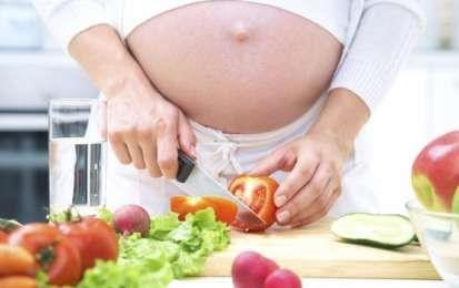 Dieta in gravidanza: esempio di menù giorno per giorno - Durante la gravidanza la donna deve seguire una dieta equilibrata per garantire salute e benessere a se stessa e al feto. Ecco un esempio di menù settimanale per la dolce attesa.