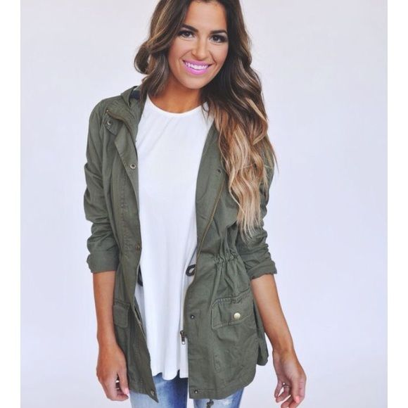 ☀️SALE☀️Olive green jacket New with tags! Never worn// selling because it's too big for me ( 1st pic not the same jacket just an idea of what it looks like on) Hollister Jackets & Coats Utility Jackets