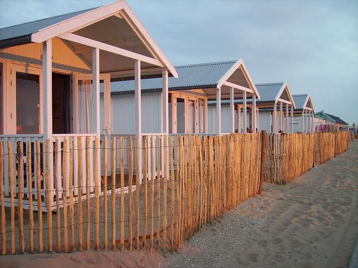 Spontaan een weekendje weg? Dit huisje aan het strand kan iedereen betalen - Me-to-we