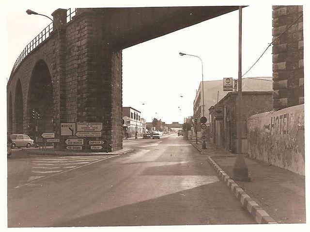 Almería en los años '70, Avenida Vivar Tellez (actual Avenida Cabo de Gata). Fuente: @joseanm