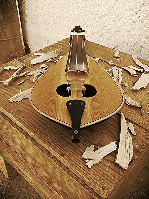 Cretan lyra.!!