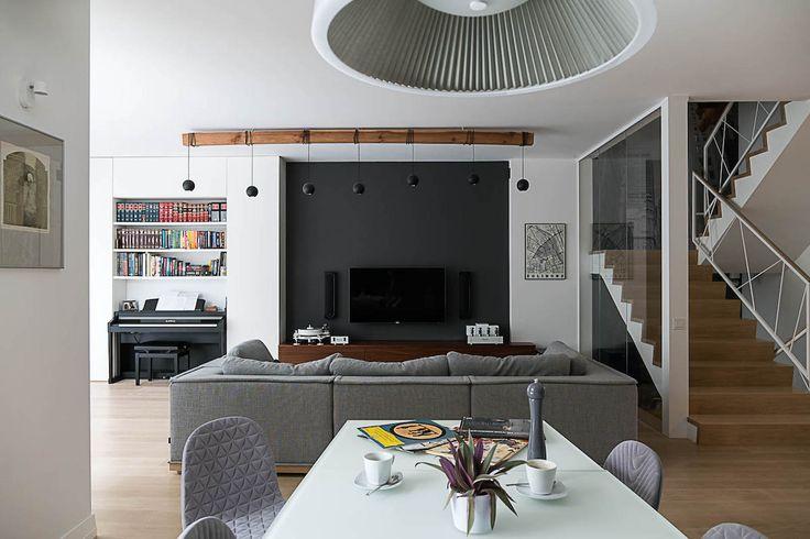 #biblioteczka  #JacekTryc #Projektowaniewnętrz #Architekt #Warszawa #architekt #Aranżacja  #lampa sufitowa #meblenawymiar #dom#pianino #stól #krzesła #sofa #kanapa #mapa #balustrada