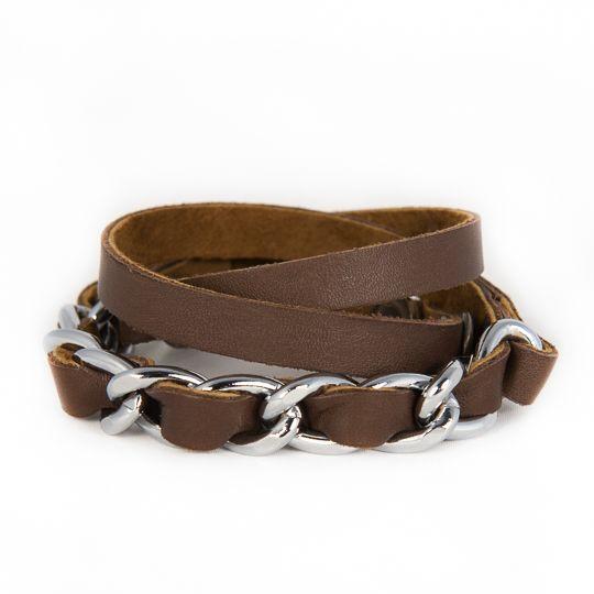 Leerlink, stoere armband verkrijgbaar in heel veel kleurtjes.... http://www.issamadeby.nl/shop/made-by-caroline/leerlink