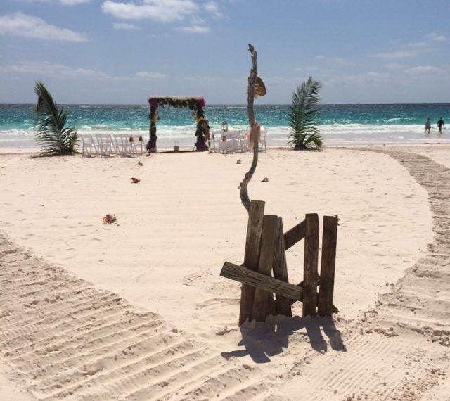 beach weddings at valentines harbour island bahamas - Valentines Resort Harbour Island