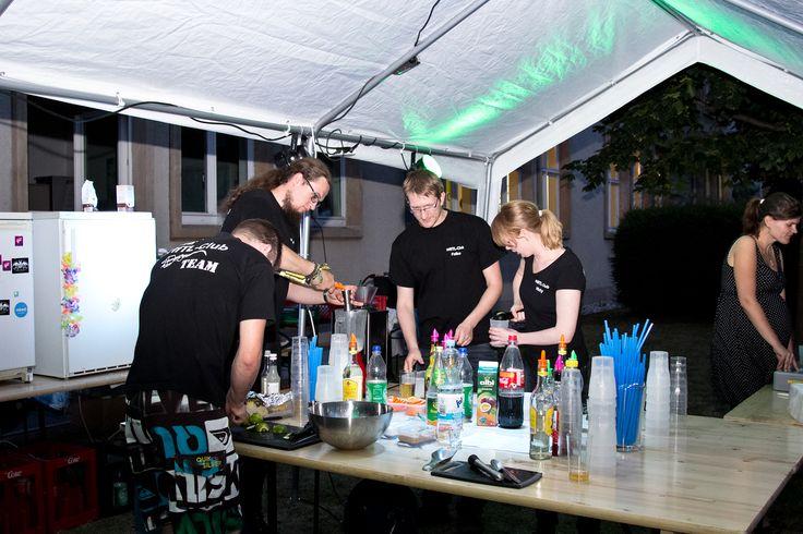 Cocktails vom Stecker - dem Studentenklub der HfTL