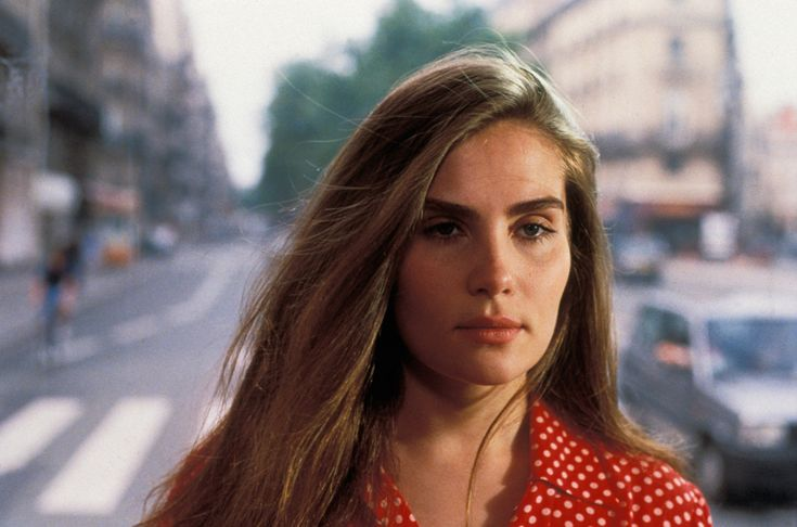 Those cheekbones though! Emmanuelle Seigner #bittermoon