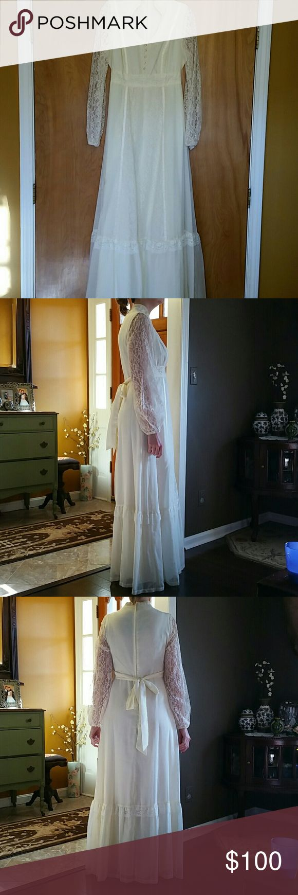 Vintage linen and lace cream ivory wedding dress 6 This is a beautiful pre loved handmade linen and lace dress. Perfect for a country wedding or vow renewal. Also is very boho. Model is size 6 34 bust. Zips in back and has tie. This is vintage so it comes with small imperfections see pic 4 for the only small brown spot barely noticeable and i have not tried to clean because this dress is gorgeous vintage  Dresses