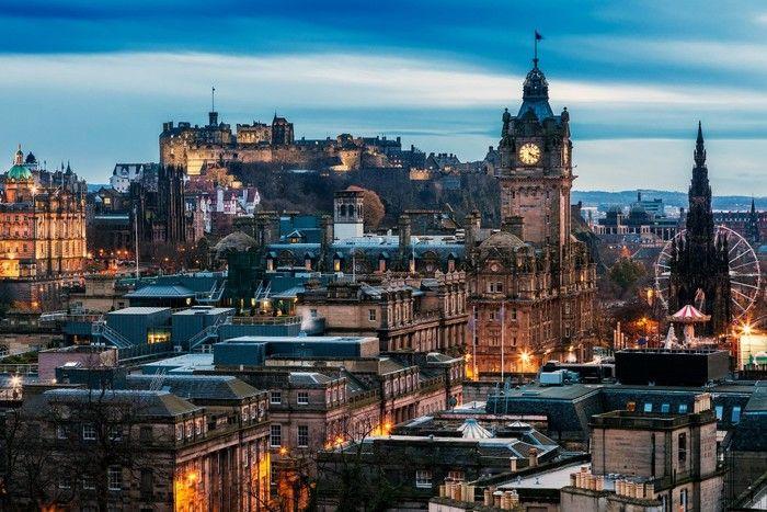 世界的に有名なエディンバラ城から、セントジャイルズ大聖堂、リアルメアリーキングスクローズ、スコットランド博物館等が有名。 街全体に歴史を感じるスコットランドの都市です。