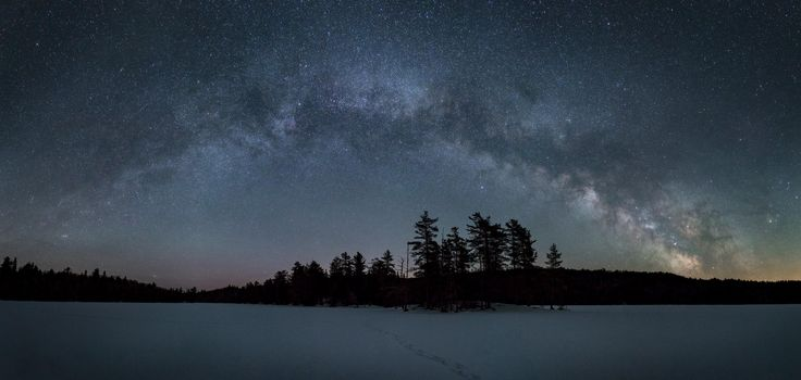 Cold night in Algonquin Provincial Park Ontario Canada [OC][3000x1430]