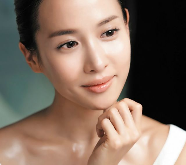 """@HerWorldPlus features new #Goodal model Jo Yeo Jeong using #Goodal Silky Plus Gel Cream in their """"3 Tips to Applying Long-lasting Foundation without Flaking & Drying"""" #foundation #flawless #makeup #howto #skincare #koreanbeauty #clubcliousa"""