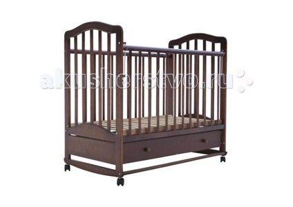 Детская кроватка Лаура 6 с ящиком качалка  Детская кроватка Лаура 6 с ящиком качалка – это европейский дизайн и лучшие отечественные материалы. Производитель позаботился о ее мобильности и возможности легкого перемещения, оснастив поворотными колесами. Изогнутые полозья помогут вам нежно укачать засыпающего малыша.  Детская кроватка Лаура 6 порадует Вас возможностью держать все необходимые вещи ребенка под рукой, ведь в нижней ее части установлен вместительный выдвижной ящик. Детская…