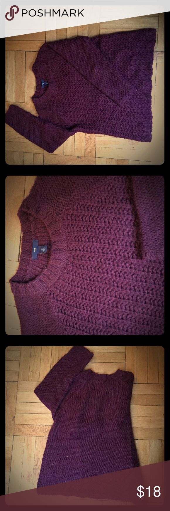 GAP chunky knit maroon sweater Long sleeve chunky knit maroon sweater with flattering knit pattern in front and plain knit in back for nice fit. Hangs well, comfy & cute! GAP Sweaters Crew & Scoop Necks