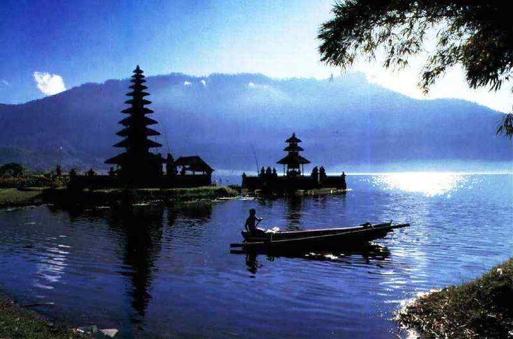 Paket Tour Only di Bali 3 Hari 2 Malam C (tanpa hotel) #pakettourdibali    Paket tour only di Bali 3 hari 2 malam C ini sudah termasuk transport full AC, serta sopir yang sudah berpengalaman, juga tiket masuk obyek wisata seperti: tiket tari Kecak, Tanjung Benoa watersport, GWK, pantai Dreamland, pantai Pandawa, pantai Padang-Padang, Pura Uluwatu, tiket tari Barong, Galuh, Celuk, Kintamani, Tirta Empul, pantai Jimbaran, dll. goo.gl/qpamJc