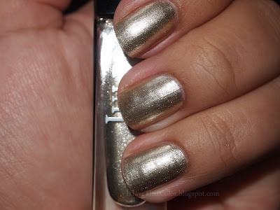 Must have GOLD NAILS for Fall.  Julep Sienna (metallic gold nail polish) #manicure