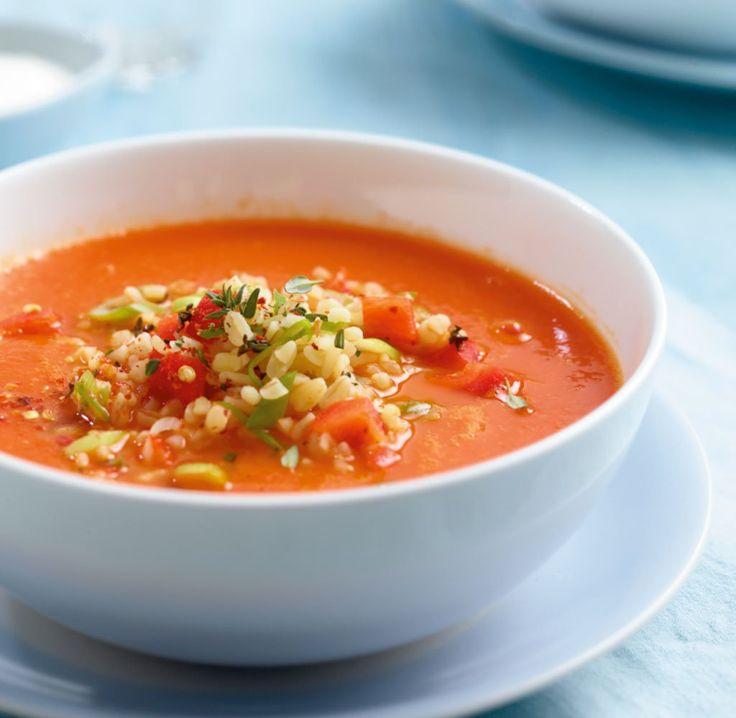 Der Hit zum Löffeln: Bulgur macht aus der fruchtigen Suppe einen tollen Sattmacher.