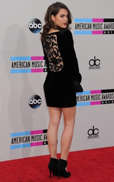 Australian actress, Maia Mitchell is 5 ft 6 in or 168 cm high...