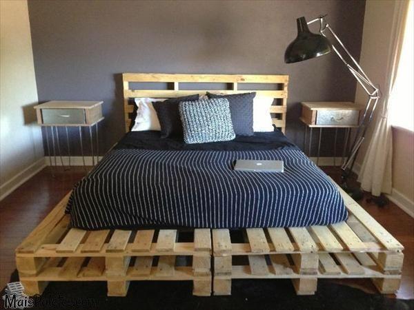 As ideias de como reutilizar as paletes de madeira em mobiliário flexível e económico não param de gerar camas de diferentes tendências e para quartos com distintos estilos de decoração.