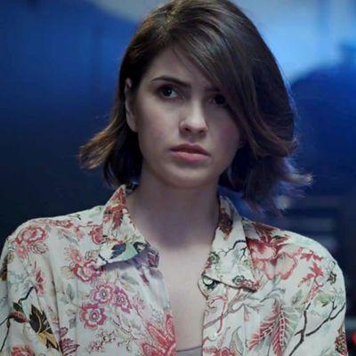 """Malia Tate (auch Malia Hale) ist ein Werkojote der in der dritten Staffel auftaucht. Ihre Eltern sind Peter Hale und """"The Desert Wolf"""" (dt. Der Wüstenwolf*)"""