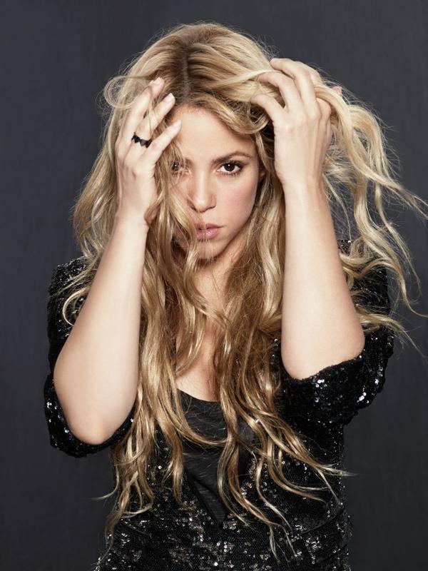 LAS CADERAS TABASCO: Foto a color de Shakira por Jaume de Laiguana (201...