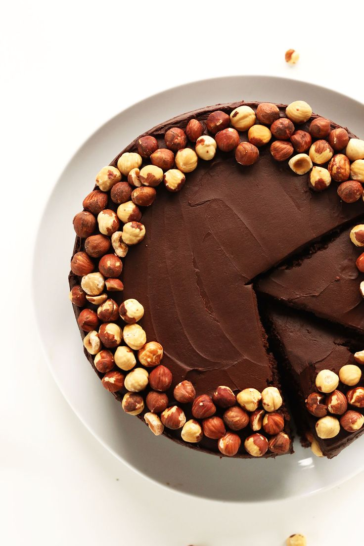 THE BEST Vegan Gluten Free Chocolate Hazelnut Cake! 1 bowl and SO rich and delicious #vegan #glutenfree