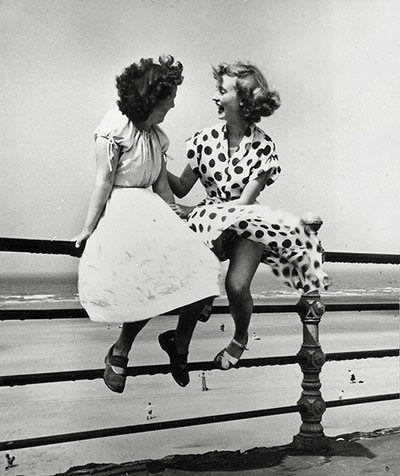 Bert Hardy exhibiton : Maidens in Waiting, Blackpool, 1951