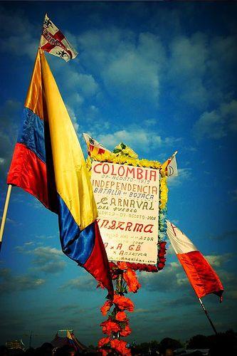 Se celebra Día independence Colombiano en Colombia. Es el 20 de julio. La celebración es sobre el independence de Colombia. Colombia tiene Un festival anual, yo quiero ir a festival.