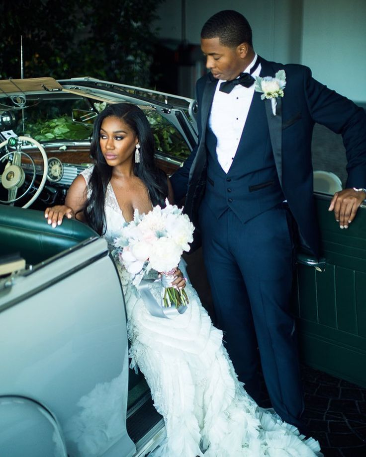 Sade and Marion could not resist posing by this vintage car. And Three Nails Photography nailed the shot! Visit the blog to learn how these lovebirds met. As seen in the #munafw16 issue. #californiaweddings #beverlyhills #lazarobride #munaluchibride #ontheblog