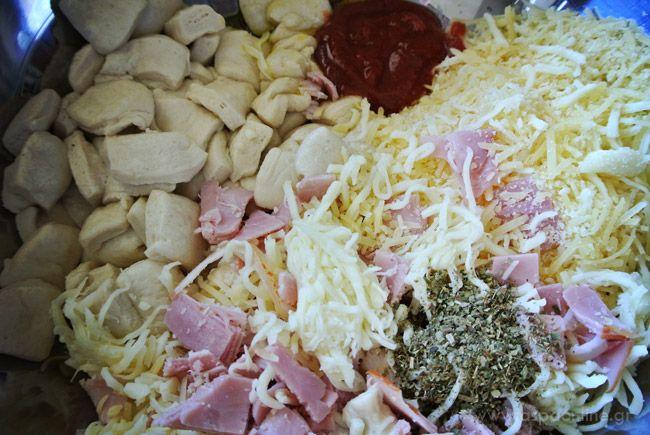 Πίτσα σε φόρμα που λιώνει στο στόμα, υλικά