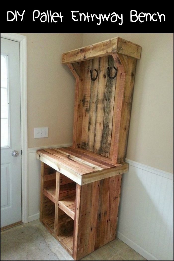 Here's a storage idea for the clutter that accumulates at the front door - pallet entryway bench!