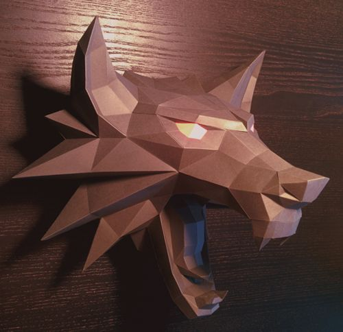 This papercraft is a Witcher Medallion, a silver symbol of the witchers' profession, based on the action role-playing hack and slash video game The Witcher