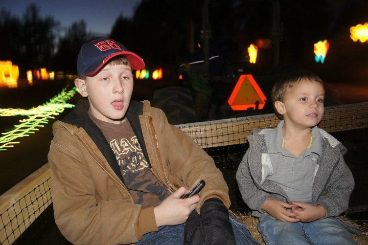 My brother laundry and corran at lights of the south....
